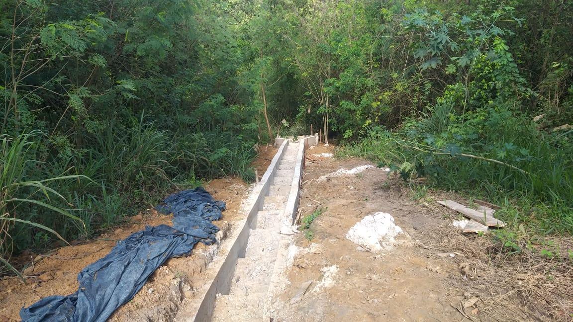 Apesar da chuva, obra de drenagem do Recanto do Lago segue dentro do cronograma