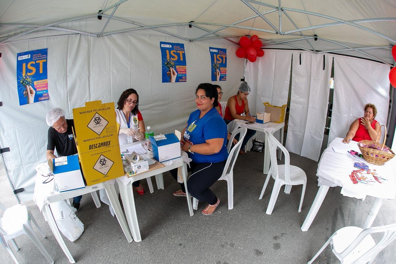 Dezembro Vermelho: CTA realiza testes rápidos de HIV no centro da cidade.