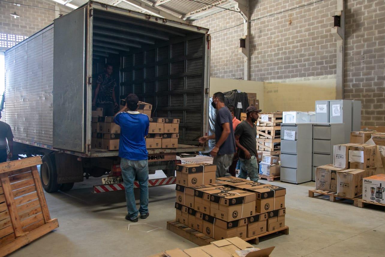 Parceria: Suzano doa 200 caixas de papel para Secretaria Municipal de Educação