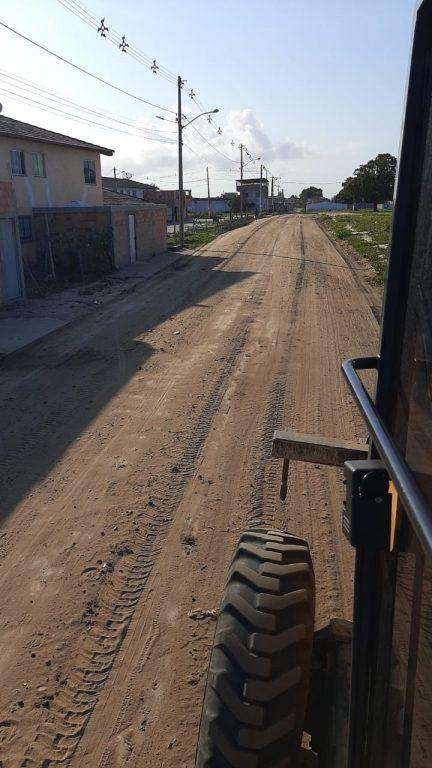 Prefeitura de Teixeira de Freitas realiza ações de patrolamento em bairros da cidade